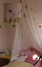 Kinderzimmerlampe IKEA, mit Blättern und Schmetterlingen, Baldachin mit Blätter