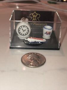 Vintage dollhouse miniature REUTTER German rose porcelain toothbrush holder