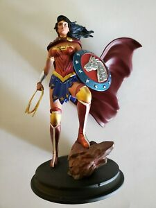Wonder Woman statue Game Stop Exclusive DC