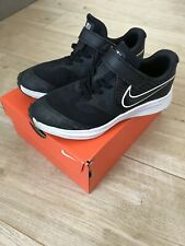 Boys Nike Trainers Size Uk 2 Eur 34 Good Condition