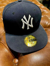 New Era 59FIFTY New York Yankees Fitted Hat Cap All Black White Flag 7-1/2