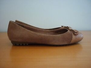 WOMEN'S DAVID LAWRENCE TAN/BROWN SUEDE LEATHER FLATS SHOES WITH BOW DETAIL SZ 39