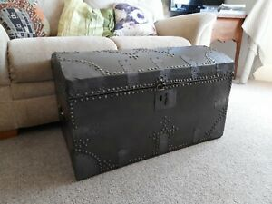LOVELY ANTIQUE 19TH CENTURY COACHING TRUNK STORAGE CHEST TOY BOX