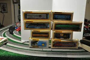 Bachman Vintage HO Train Set - Engine Six Cars Transformer Track and Tunnel