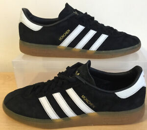 Mens adidas Munchen Trainers in Black & White, gum sole, UK Size 9 EU 43.3