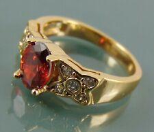 Chapado en Oro Anillo De Flores Con Rojo Oval Circonita Solitario y clara Acentos