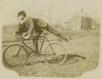 1800s BICYCLE MESSENGER BOY IN JOYOUS BLUR - CABINET CARD VTG PHOTO - H2