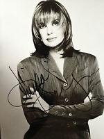 LINDA GRAY - DALLAS - BRILLIANT ACTRESS - SUPERB SIGNED B/W PHOTOGRAPH