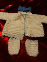 pour poupon ,poupée ,bébé 3mois ,lot 3piéces  tricotées