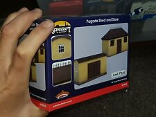 OO Gauge Bachmann Scenecraft 44-0055 Pagoda Shed and store building