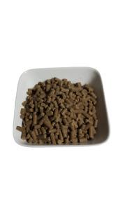 Premium Adult kaltgepresstes Hundefutter Rind, Forelle und Reis ( 6€ / 1 kg )