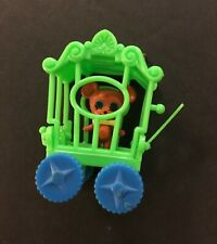 Liddle Kiddle Zoolery - Brawny Bear with Bow Tie in his Circus Wagon