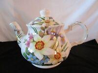 Sadler Teapot / Flower Design / Made In England