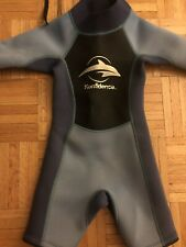 KONFIDENCE Boy Girl Shortie Wetsuit Blue Swimming Dolphin XS - GUC