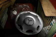 "Original Mercedes W203 C Klasse Radkappe Radzierkappe 15"" Zoll 2034010024 NEU"