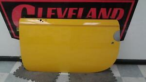 2003-2006 Chevrolet SSR OEM LH Left Front Driver Side Front Door Assembly Yellow