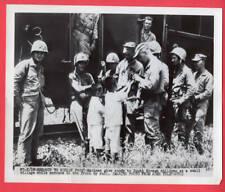 1950-53 Korea Usmc Marines Giving Children Candy 7x8.5 Original Telephoto
