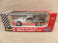 New 1992 Revell 1:24 Scale Diecast NASCAR Darrell Waltrip Western Auto Lumina