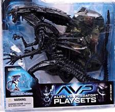 Alien VS Predator 2 Movie Action Queen Playset  McFarlane Toys 2004