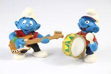 2 VINTAGE PEYO SCHLEICH RARE LOT SMURFS MUSICIANS DRUM GUITAR FIGURES SMURF