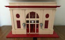 Vintage Lionel Train Station Cream/Red 115 Station