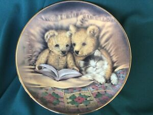 Bedtime Story For Teddies And Kitty Decorative Plate Sue Willis Free Postage