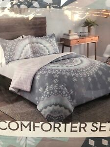 "Vue Mira Comforter Set King, Gray 102"" by 90"" comes w/ 2 king shams"
