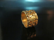 14k solid yellow gold wedding ring for woman.Unique and unconventional design.