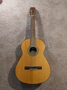 CONN CLASSICAL GUITAR  C 100 JAPAN ORIGINAL GUITAR AND CASE AND WRAPPING  80s?