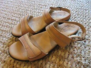 SAS Sandals Women's Size 9 N
