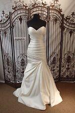 WW108 W COLLECTION RR-13 SZ 10  IVORY $1599 FORMAL WEDDING GOWN DRESS