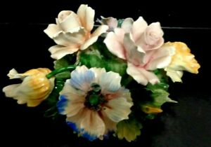 Classical Hand Painted Mollica Capidomonte Floral Arrangement Stunning Vibrant