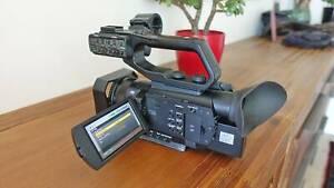 Sony PXW-X70 4-K Video Camera - Free Shipping inside Australia