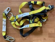 SafeWaze 10910 Universal Safety Harness One Size: Universal. 3M SafeWaze Tether