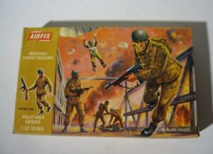 Airfix 1712  British Paratroops  Infantry Soldiers 1:32 First Release  1969  OSS