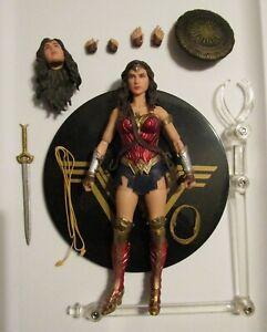 Mezco One 12 Collective DC Justice League Wonder Woman