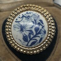 Vintage Fashion Ring Size 6 Lucite Gold Tone Blue White Flowers