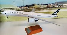 Jc Wings 1:200 Boeing 777-300ER Cathay Pacific B-Kpm (avec Socle ) Ref: XX2661