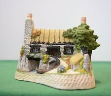 """David Winter """"The House on the Loch"""" Mint in original box with Coa."""