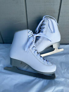 Bladerunner Solstice Women's Ice Figure Skate Size Six, New without Tags