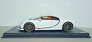 Bugatti Chiron Sky View scala 1/18