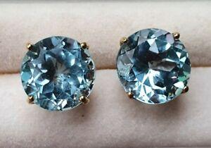 Blue Topaz 14 kt. Yellow Gold Stud Earrings