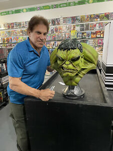 Incredible Hulk Life Size Bust Sideshow Collectables Signed by Lou Ferrigno!