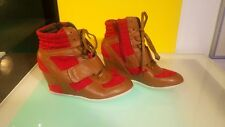 Diba shoes Women's size 8 Hidden wedge heel hi tops red and brown great shape