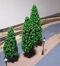 30 dunkelgrüne Tannen, je 10 Stück 110, 130 und 150 mm hoch - versandkostenfrei