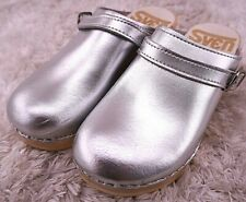 SVEN Swedish Clogs Silver Leather & Flexible Base Women's EU 35/ US 5