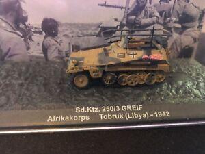 De Agostini WWII Sd.Kfz. 250/3 Greif Panzer Tank 1/72 in OVP SELTEN mit Vitrine