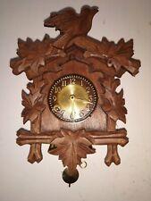 """alte kleine Wand Uhr, Holzzifferblatt geschnitzt, Uhrwerk 8 Tage """" Wintermantel"""""""