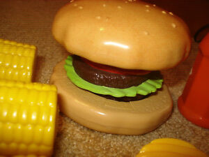 FISHER PRICE PRETEND GROCERY KITCHEN FUN FOOD PoPuP BuRgeR CHIPS MINI MEAL LOT