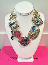 NWT Rare Betsey Johnson The Eyes have it Heart Lips Eye statement Necklace